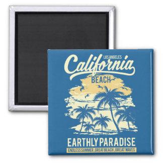 Imã Vida na praia infinita de Califórnia do verão do