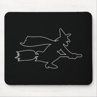 Imagem assustador da bruxa preta mouse pad