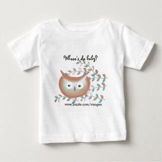 Imagem bonito da coruja da camisa em Brown & em Camisetas