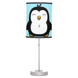 Imagem carnudo bonito do pinguim