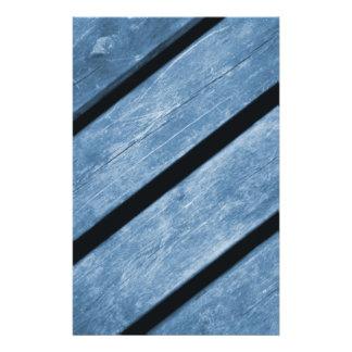 Imagem de pranchas de madeira azuis flyer 13.97 x 21.59cm