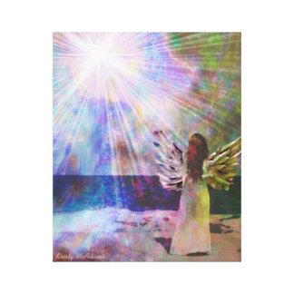 Imagem de um anjo que olha para cima na lona impressão de canvas envolvida