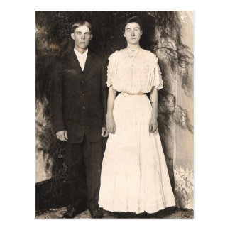 Imagem do vintage de um casal do casamento cartões postais