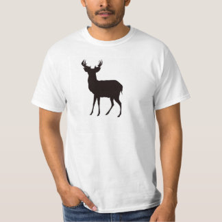 imagem dos cervos na camisa do t dos homens no