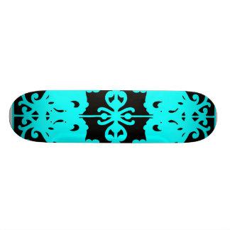 Imagem invertida preta & azul skate