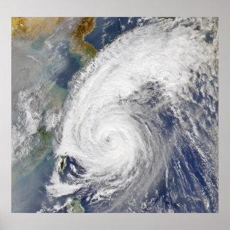 Imagem satélite de um tufão impressão