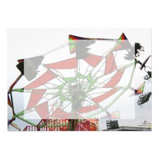 Imagem verde e vermelha do planador justo do vôo d convites personalizados