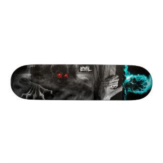 Imagens misturadas da plataforma má shape de skate 21,6cm