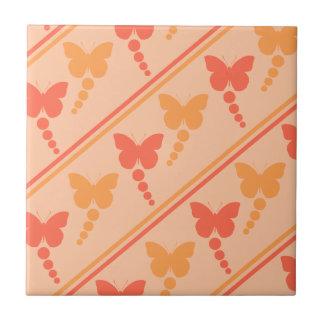 Impressão alaranjado cor-de-rosa das listras dos