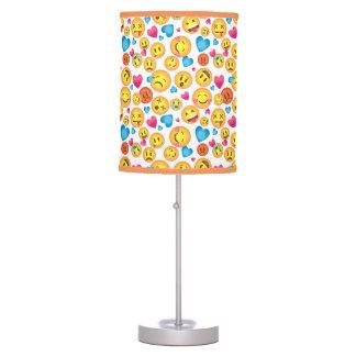 Impressão bonito de Emoji na lâmpada branca do