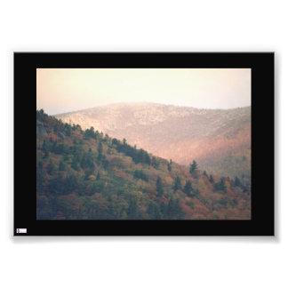 Impressão cor-de-rosa da foto da montanha