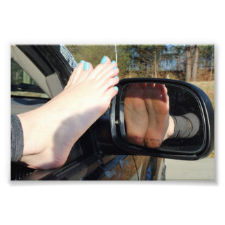Impressão descalço da foto das reflexões