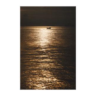 Impressão Em Canvas Barco de pesca Vietnam da silhueta