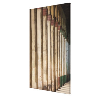 Impressão Em Canvas Colunas da construção, Havana, Cuba