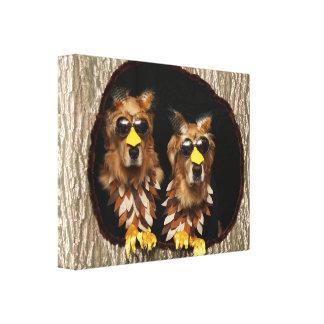 Impressão Em Canvas Corujas do golden retriever em cotoes de árvore