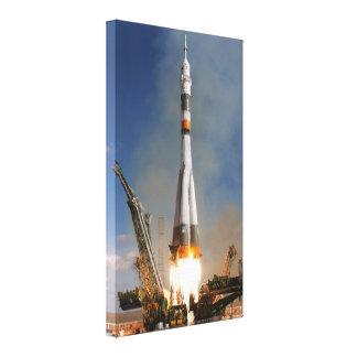 Impressão Em Canvas Liftoff de Soyuz do russo - 12 de outubro de 2008