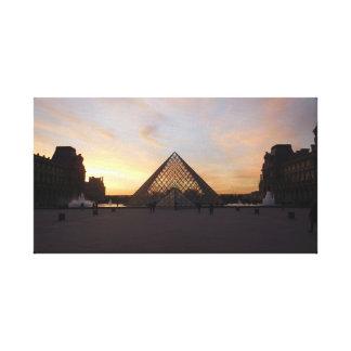 Impressão Em Canvas Pirâmide no Louvre