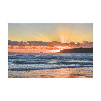 Impressão Em Canvas Raios de sol dourados sobre o oceano