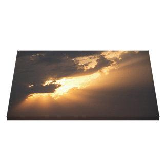 Impressão Em Canvas Rupturas da luz através/läpi murtautuu de Valo