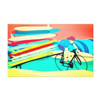 Impressão Em Canvas Surfista em prancha do carregando da bicicleta