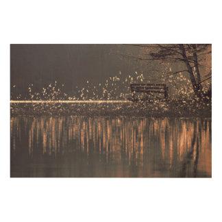 Impressão Em Madeira Banco só pelo lago na luz dourada