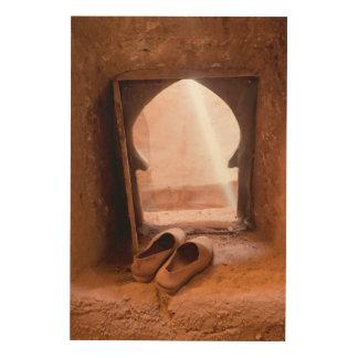 Impressão Em Madeira Calçados marroquinos na janela
