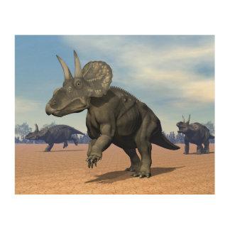 Impressão Em Madeira Dinossauros de Diceratops/nedoceratops no deserto