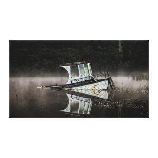 Impressão Em Tela Barco de madeira no lago Rotoma