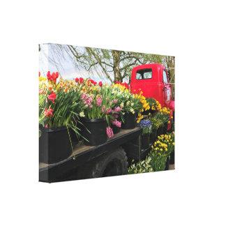 Impressão Em Tela Caminhão vermelho com flores & arco-íris do