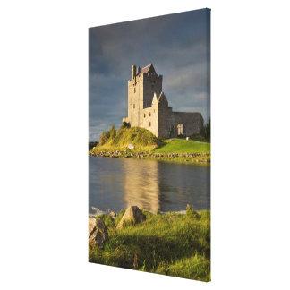Impressão Em Tela Castelo temperamental de Dunguaire, vertical