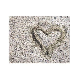 Impressão Em Tela Coração romântico na foto da areia