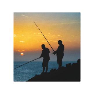 Impressão Em Tela Dois homens que pescam na costa