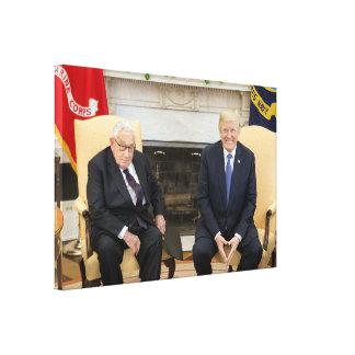 Impressão Em Tela Donald Trump com Henry Kissinger