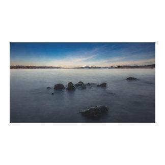 Impressão Em Tela Exposição longa da manhã rochosa no lago Taupo