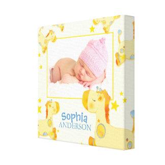 Impressão Em Tela Foto do bebê do berçário dos girafas do safari