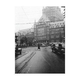 Impressão Em Tela Foto dos anos 30 da rua dos carros do castelo de