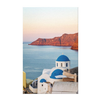 Impressão Em Tela Igreja abobadada azul de Oia no nascer do sol