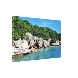Impressão Em Tela Linha costeira tropical tranquilo com cavernas