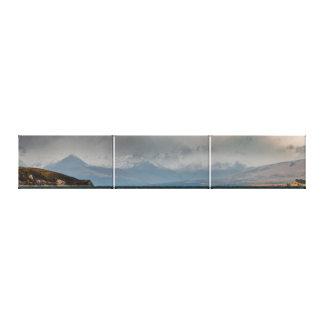 Impressão Em Tela Montanhas atrás do lago Tekapo