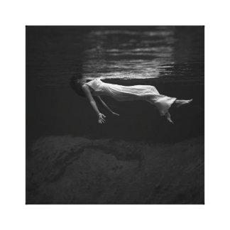 Impressão Em Tela Mulher preto e branco na fotografia da água