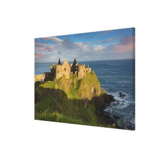 Impressão Em Tela Nascer do sol sobre ruínas do castelo de Dunluce