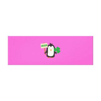 Impressão Em Tela Pinguim irlandês com trevo Zjib4