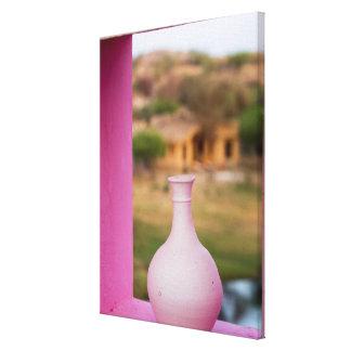 Impressão Em Tela Pote cor-de-rosa na janela