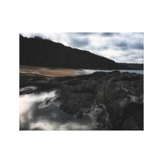 Impressão Em Tela Praia de Tresaith em Ceredigion, com céu dramático