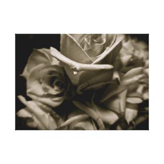Impressão Em Tela Rosas preto e branco dramáticos