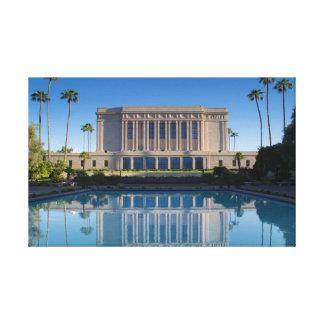 Impressão Em Tela Templo do Mesa que reflete em uma piscina azul