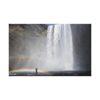 Impressão Em Tela Travado na névoa na cachoeira de Skógafoss,