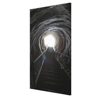 Impressão Em Tela Túnel escuro da caverna