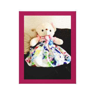 Impressão Em Tela Urso de ursinho em um vestido