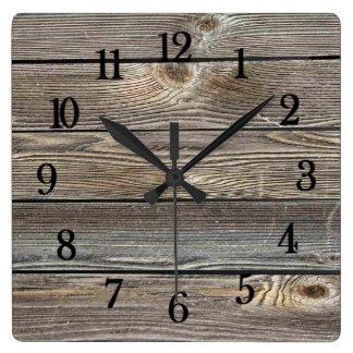 Impressão horizontal de madeira de vista autêntico relógio quadrado